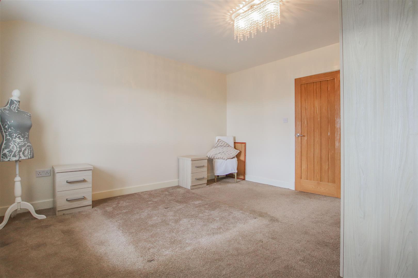 4 Bedroom Farmhouse For Sale - 22.JPG